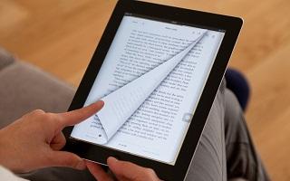 Lecture et detente, les livres electroniques preferes aux ouvrages papier par rapport au budget