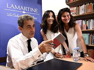 Passions, le livre de Nicolas Sarkozy est en tete des ventes de livres
