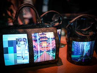 Lvmh, un sac connecte a ecrans flexibles concu par Louis Vuitton au salon Vivatech
