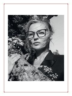 Alexander McQueen: Kate Moss, le mannequin britannique incarne la campagne de la marque de pret a porter