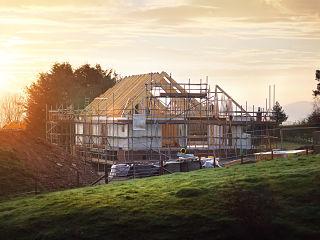 Logements, la construction de maisons s ameliore et les permis de construire se redressent en France