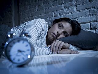 Lumiere bleue et sommeil, le cerveau perturbe par le smartphone pendant la nuit