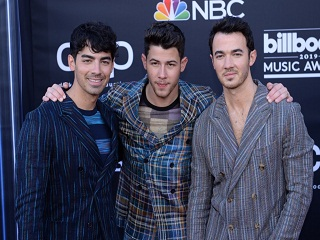 Jonas Brothers: Only Human, ce single du groupe de pop rock a un clip