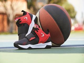 Skechers: Shaquille O Neal, le basketteur americain a imagine une collection de baskets pour la marque de chaussures
