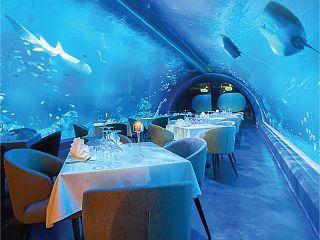 Andasi, restaurant sous marin a Phuket pour manger des fruits de mer prepares par le chef Atanu Nath