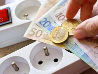 Tarifs reglementes d electricite, Edf annonce une hausse des prix de l energie electrique sur suggestion de la Cre