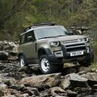 Land Rover modernise son Defender !