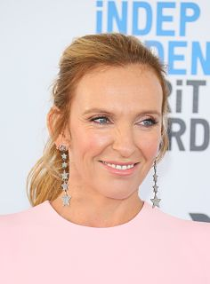Film Nightmare Alley, Toni Collette et Bradley Cooper au casting
