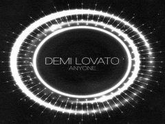 Demi Lovato : Playup presente anyone, un single disponible en mp3