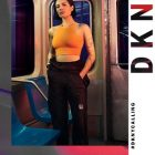 Halsey prête son image à DKNY