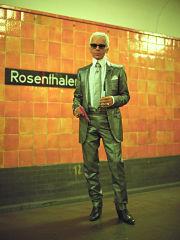 Exposition sur Karl Lagerfeld a Berlin, le couturier allemand a l Hotel de Rome