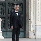 Le ténor italien Andrea Bocelli fait sensation en ligne