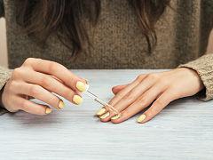 Tutoriels de nail art printanier, un tutoriel a suivre pendant le confinement