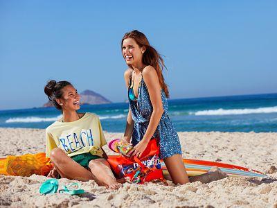 Havaianas, pret a porter beachwear et tongs pour la saison printemps ete