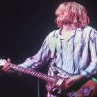 Kurt Cobain de Nirvana vend l'une de ses guitares