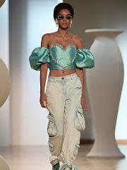 Mode, les stars de l ete sont le pantalon cargo, le micro short et la maxi robe