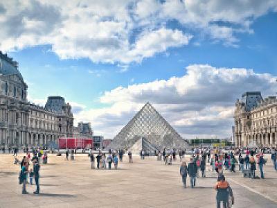 Musée du Louvre: hausse des visites virtuelles pendant le confinement