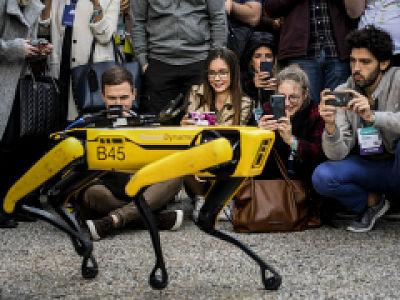 Le robot chien de Boston Dynamics, une création multifonction