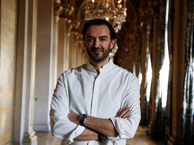 Cyril Lignac, le chef cuisinier a la tele avec M6 et a la radio sur RTL