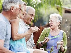 Habitat participatif pour seniors au lieu de logements en maison de retraite