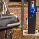Les bornes de recharge insuffisantes pour le nombre de véhicules électrifiés