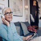 Des podcasts bien-être et beauté à écouter pendant le reconfinement