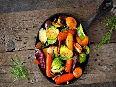 un plat de legumes