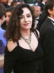 Decouvrez le parcours de Caroline Cellier, une actrice francaise connue pour le film L Annee des Meduses, pour lequel elle a ete recompense au cinema.